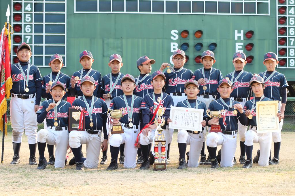 2015年度朝日旗北大阪大会優勝の片山南少年野球部