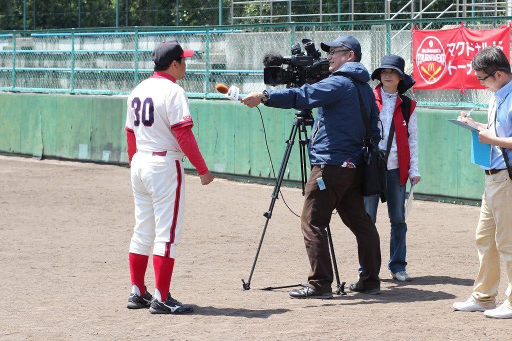 地元のケーブルテレビも取材に。(放送は5月7日~9日。ベイコムチャンエルにて。残念ながら北摂地域では見られない)